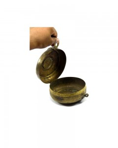 1850s-Indian-Antique-Brass-Round-Chapatti-Bread-Box-In-Original-Condition