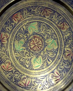 Vintage-Beautiful-Hand-Crafted-Enamel-Work-Collectible-Brass-Plate